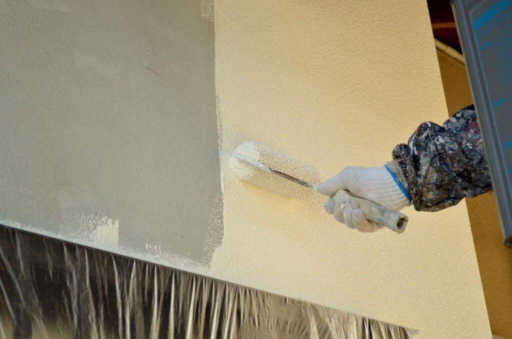 住宅を長持ちさせるために定期的な外壁塗装を