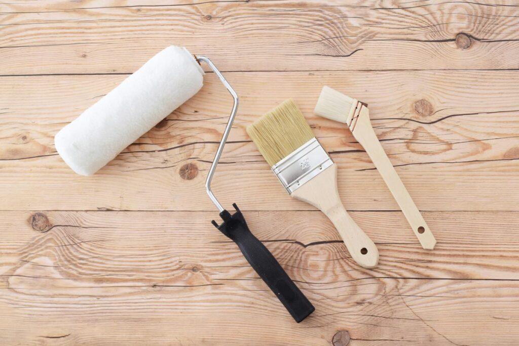 屋根や外壁の塗装工事のタイミングは塗料の耐用年数が目安